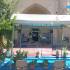 آماده سازی و آذین بندی صحن مسجد شریف الملک برای برپایی جشن شب عید سعید غدیر در فضای باز